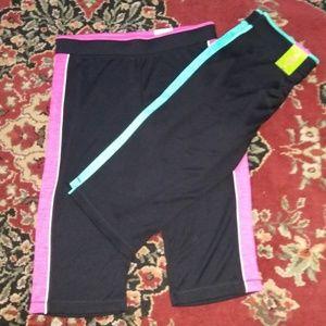 NWT  Made For Life Quick-Dri Capri Pants
